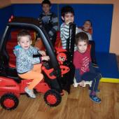 Radost dětí z minivozíku Linde