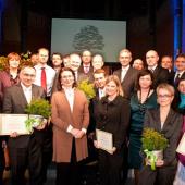 společná fotografie oceněných v soutěži Top Filantrop 2010